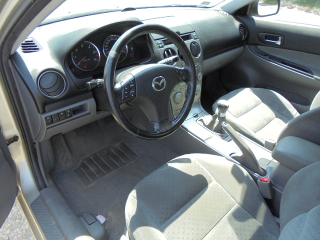 Poważne Mazda - 6 - Kombi - (2002 - 2005) - Wnętrze / Pedały - nr. 2409015 OT72